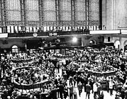 Stock Markets Framed Prints - New York Stock Exchange During Heavy Framed Print by Everett