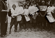 Boxing  Framed Prints - Newsboys With Newspapers Announcing Framed Print by Everett