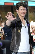 T-shirt Prints - Nick Jonas At Talk Show Appearance Print by Everett
