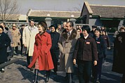 Summit Meetings Prints - Nixon In China. President And Pat Nixon Print by Everett