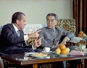 Summit Meetings Prints - Nixon In China. President Nixon Print by Everett