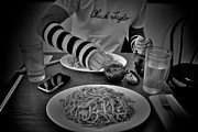 Noodles Prints - Noodles and Gloves Print by Donato Iannuzzi