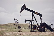 American Oil Wells Posters - Oil Wells Near The Historical Teapot Poster by Everett