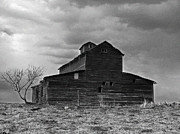 Sandra Longstreet - Old Barn BW