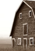 Mario Brenes Simon Metal Prints - Old Barn Front Metal Print by Mario Brenes Simon