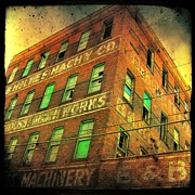 Gothicolors Donna Snyder - Old Building - Retro