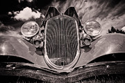 Ian Macdonald Metal Prints - Old Car Metal Print by Ian MacDonald