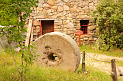 Sudbury Ma Photos - Old Stone Wheel by Stephanie Nugent