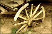 Gatlinburg Prints - Old Wagon Wheel Print by Susie Weaver