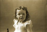 Portrait Photo Originals - Olive says What by Jan Faul