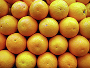 Food And Drink Art - Orange Fruits Pile At Fruit Market by Suchitra Prints