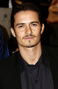 Orlando Bloom Photos - Orlando Bloom At Arrivals by Everett