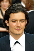 Kodak Theatre Framed Prints - Orlando Bloom At Arrivals For 77th Framed Print by Everett