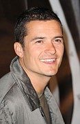 Orlando Bloom Photos - Orlando Bloom At Arrivals For Burberry by Everett