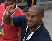 Football Coach Photos - Ositadimma Osi Umenyiora by Lee Dos Santos