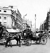 Carriages Posters - Oxford Street - London - England - c 1909 Poster by International  Images