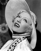 Wide Brim Hat Posters - Page Miss Glory, Marion Davies, 1935 Poster by Everett
