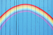 Painted Rainbow On Wooden Fence Print by Richard Newstead