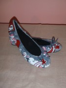 Handmade Tapestries - Textiles - Painted shoes by Ioana Elisabeta Farcasiu