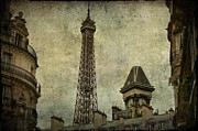Vintage Eiffel Tower Metal Prints - Pale Paris Metal Print by Georgia Fowler