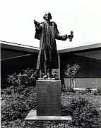 Commission Sculptures - Patrick Henry by Frank Varga