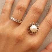 Sculptural Jewelry - Pearl Heirloom Ring by Teresa Arana