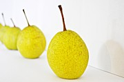 Heather Beck - Pears in a Row