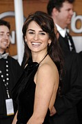 Screen Actors Guild Prints - Penelope Cruz At Arrivals For Arrivals Print by Everett
