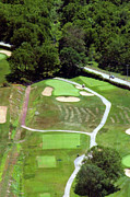 The Philadelphia Cricket Club Wissahickon Militia Hill And St Martins Golf Courses Framed Prints - Philadelphia Cricket Club Wissahickon Golf Course 3rd Hole Framed Print by Duncan Pearson