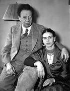 Diego Rivera Framed Prints - Photo Shows Diego Rivera And His Wife Framed Print by Everett