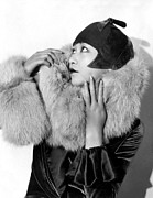 Cloche Hat Photos - Piccadilly, Anna May Wong, 1929 by Everett