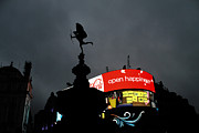 Piccadilly Prints - Piccadilly Circus London  Print by Stefan Kuhn