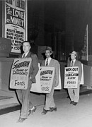 Segregation Posters - Pickets Protest In Front Of Baltimores Poster by Everett