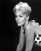Kim Novak Metal Prints - Picnic, Kim Novak, 1955 Metal Print by Everett