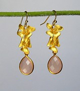 Bridal Jewelry Jewelry - Pink Chalcedony and Gold Flowers Earrings  by Evelina Pastilati