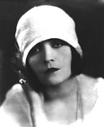 Cloche Hat Photos - Pola Negri, Ca. Mid-1920s by Everett