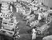 Respiration Framed Prints - Polio Victims In Iron Lungs Framed Print by Science Source