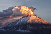 Juan Carlos Vindas Metal Prints - Popocatepetl Volcano at Sunrise Metal Print by Juan Carlos Vindas