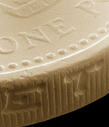 Coin Prints - Pound Coin, Sem Print by Power And Syred