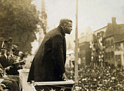 Teddy Roosevelt Posters - President Theodore Roosevelt speaks to crowd Poster by International  Images