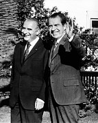 Foreign Policy Prints - Presidents Richard Nixon And Georges Print by Everett