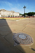 Buckingham Palace Photos - Princess Diana Memorial Walk At Buckingham Palace by Yhun Suarez
