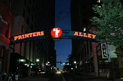 Nashville Tennessee Art - Printers Alley in Nashville by Kristin Elmquist