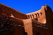 Santa Fe Magic - Pueblo Revival Style Architecture in Santa Fe by Susanne Van Hulst