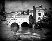 Bath England Framed Prints - Pulteney Bridge Framed Print by Ian Kowalski