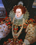 Necklace Photos - QUEEN ELIZABETH I, c1588 by Granger