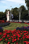 Queen Victoria Metal Prints - Queen Victoria Memorial Gardens Metal Print by John Rizzuto