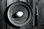 Pewter Prints - Raw Egg Print by Joana Kruse