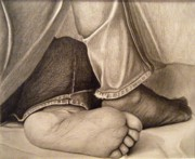 Photo Realism Drawings - R.C. Gormans Feet by Arturo Ramirez