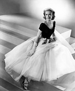 1950s Fashion Photo Metal Prints - Rear Window, Grace Kelly, 1954 Metal Print by Everett